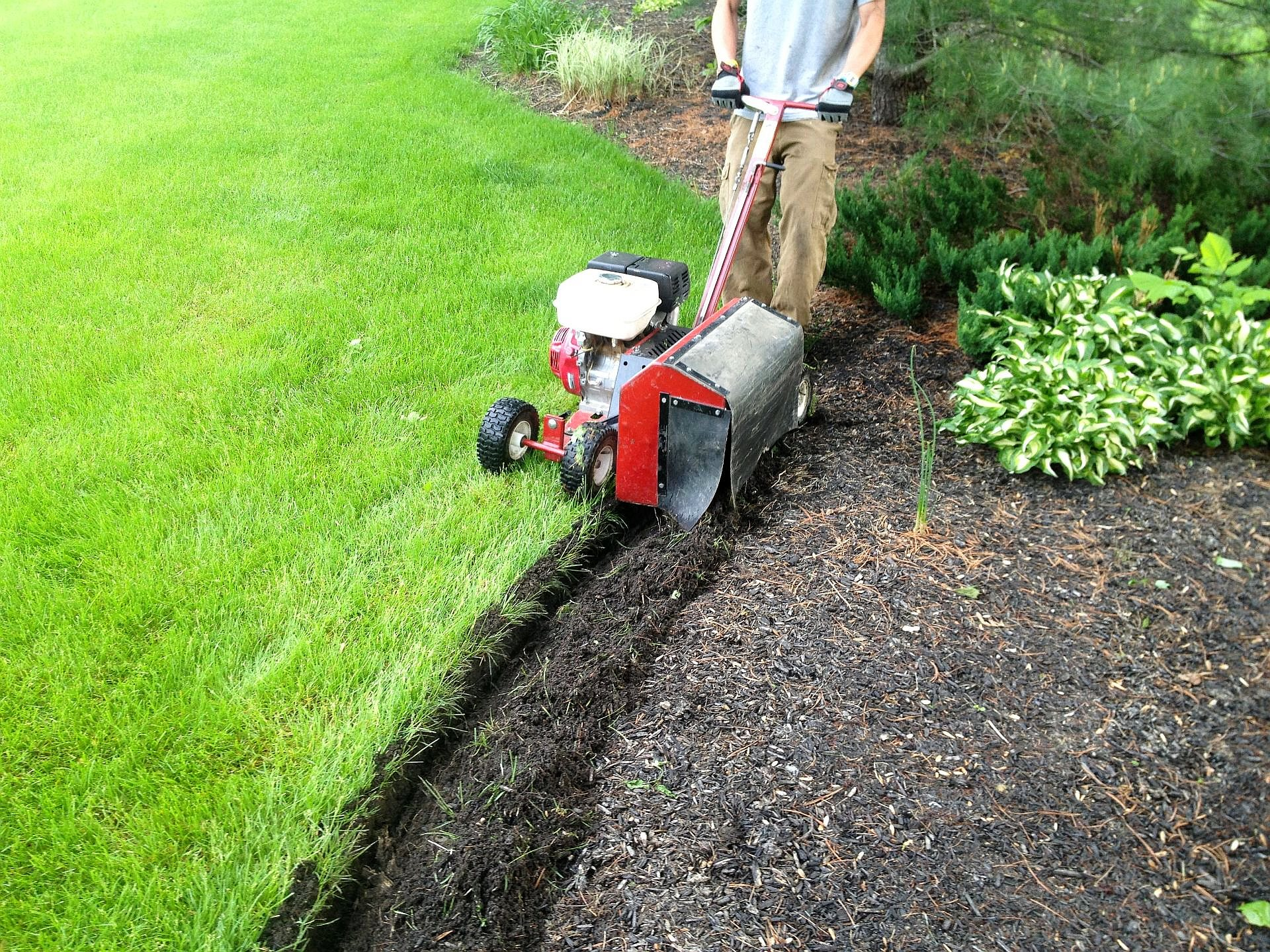 Seth_Maurer_Landscaping_Edging