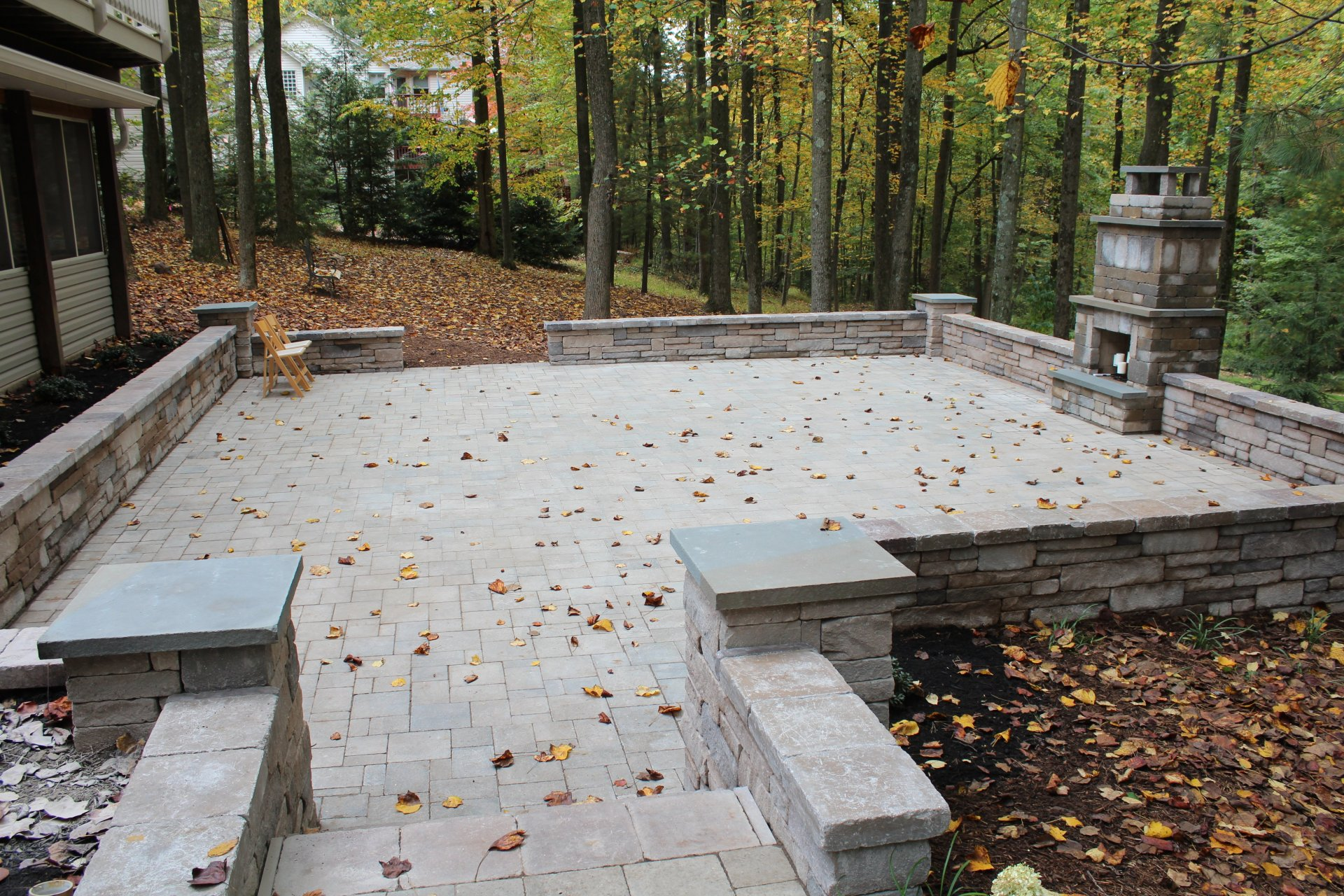 Seth_Maurer_Landscaping_Hardscaping_Patio_Fireplace_M_16
