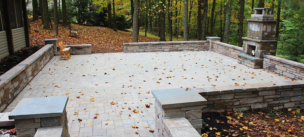 Seth Maurer Landscaping Hardscaping Patio Fireplace M 16 cropped